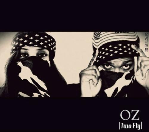 oz-twoflycover